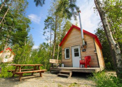 barrons nous chaudiere appalaches micro chalets appalaches exterieur 1024x682 1 Micro-Chalets des Appalaches